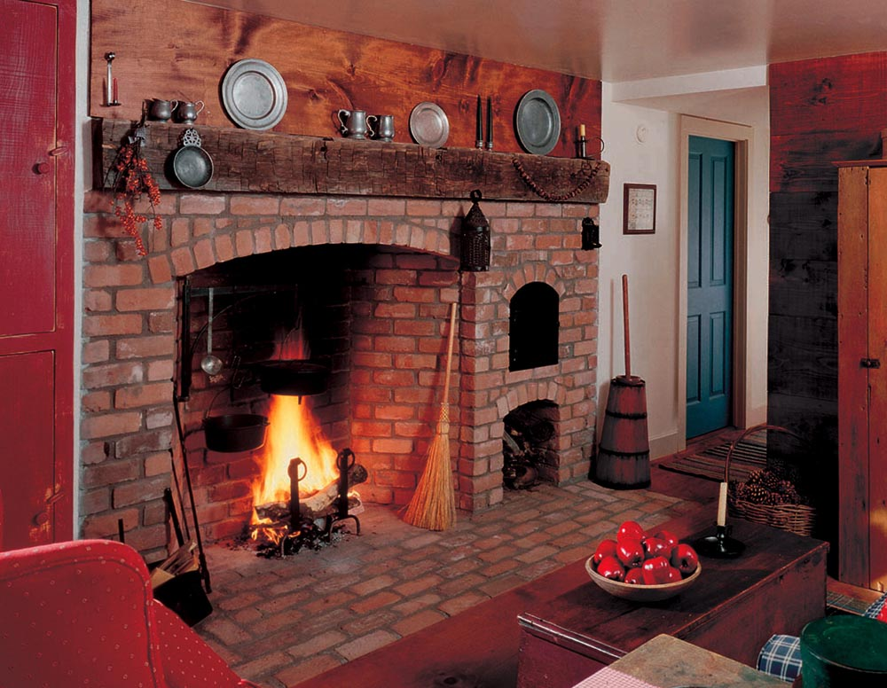 The Cooking Fireplace And Bread Oven To Left Was Built In 1990 Is A Pretty Good Reproduction Of Williamsburg Style Working Circa 1760